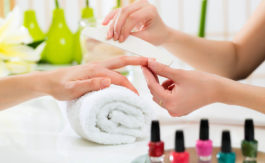Nails Karnal - Kittn Salon & Spa - Unisex Salon in Karnal +91 184 404 2229 and Ludhiana + 91 161 410 0076.